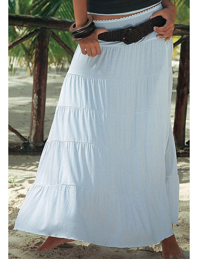 Широчайший выбор разных расцветок и фасонов. . В то же время не так просто найти красивую длинную летнюю юбку из