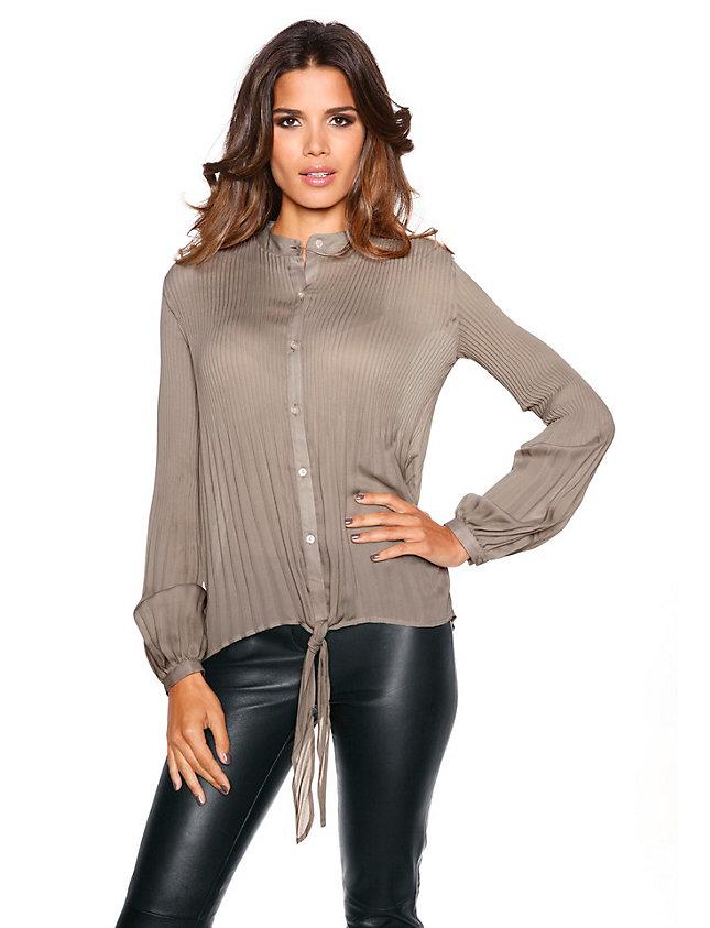 16 июн 2014 Модные фасоны и модели легких летних блузок из шифона на он подчеркнет все прелести женской